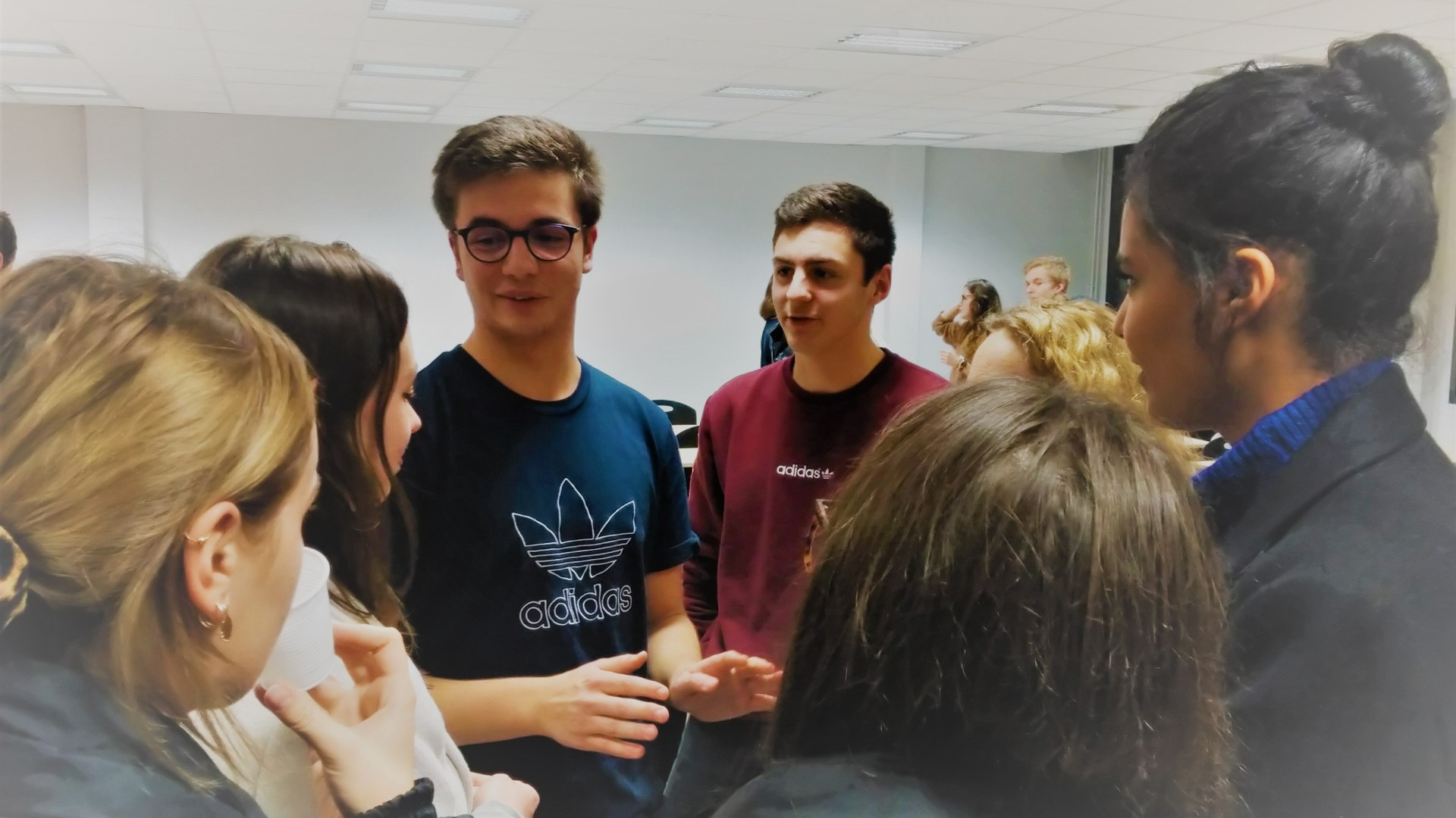 Forum des anciens novembre 2019 - Alexandre, normalien, est assailli de questions