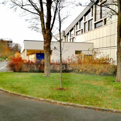 La cour du lycée Gaston Berger