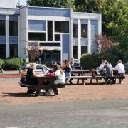 Les prépa ENS au travail dans la cour du lycée Gaston Berger - septembre 2020